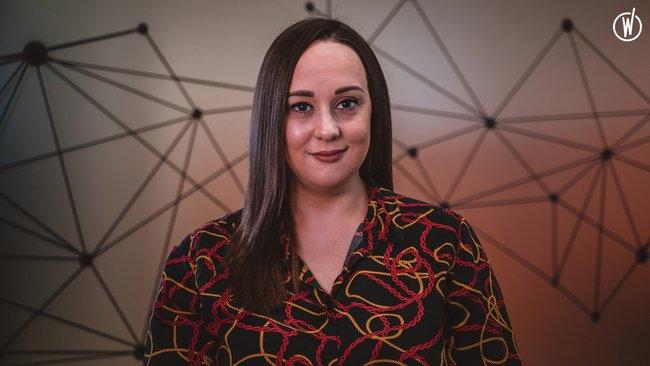 Rencontrez Laura, Directrice des ventes internes - Quadient