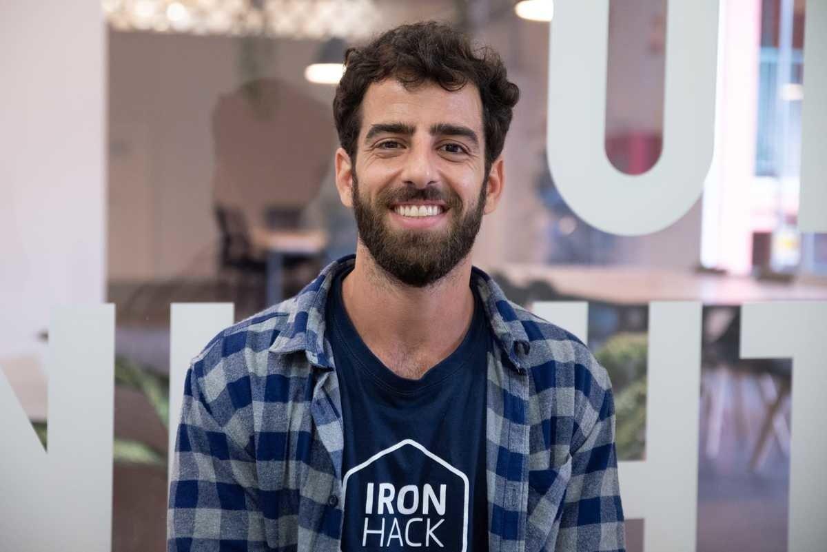 Conoce a Rapha, Program Manager  - Ironhack Barcelona