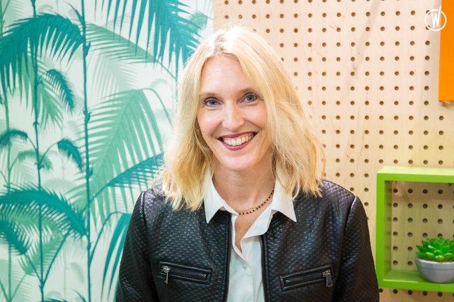 Rencontrez Anaïs, Directrice de rédaction pôle parental - Uni-médias