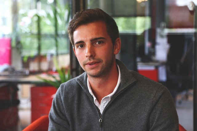 Rencontrez Edouard, Directeur Commercial - moji