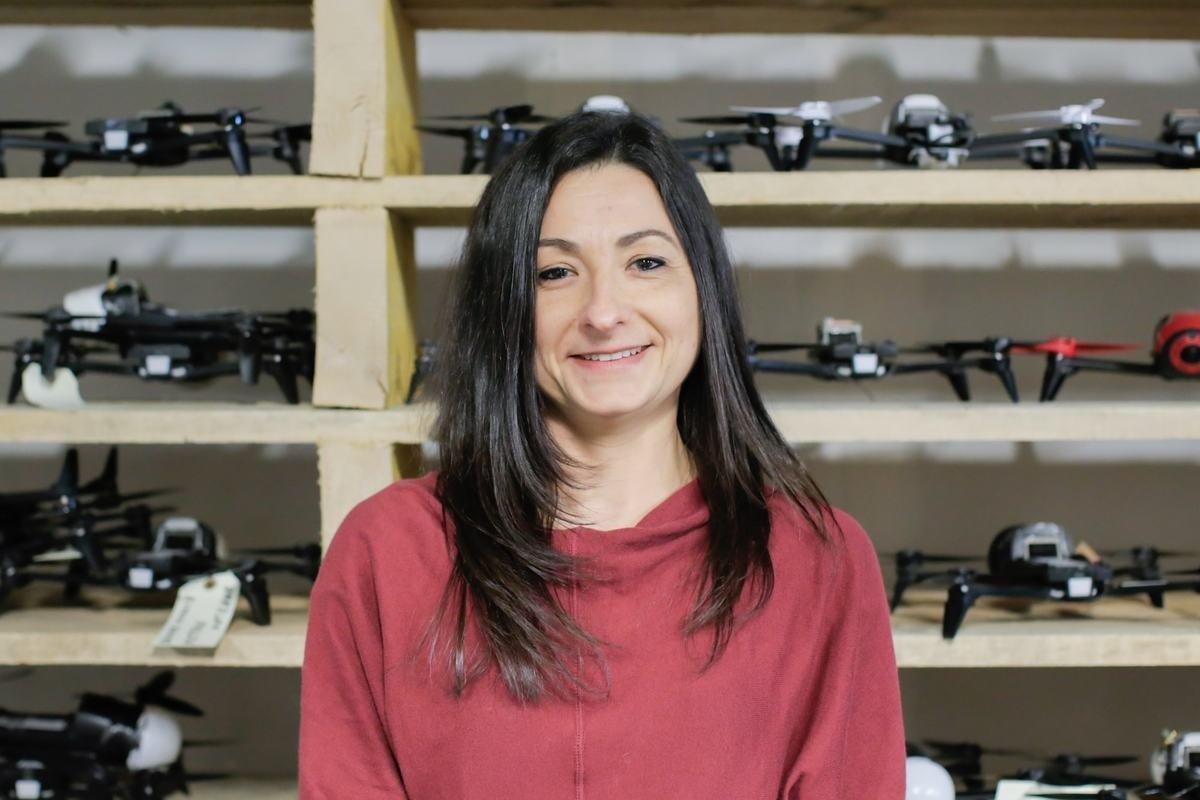 Rencontrez Delphine, Directrice Administrative - Dronisos