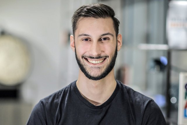 Rencontrez Victor, Content Manager - Cocoworker