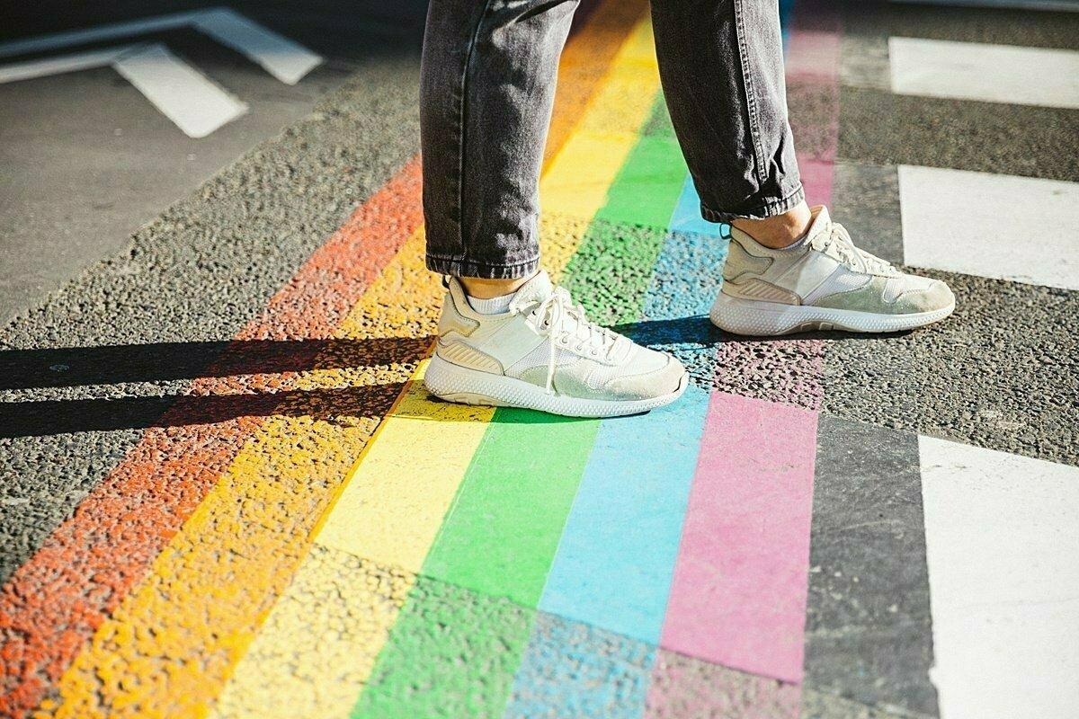 Polovina LGBT+ lidí v Česku v práci tají svou orientaci