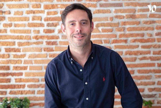 Rencontrez Julien, Co-fondateur & Directeur Exécutif - #bonheur