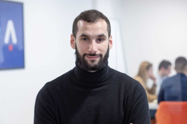Conoce a Yannis, CEO & Co-founder - Adot (anciennement Adotmob)