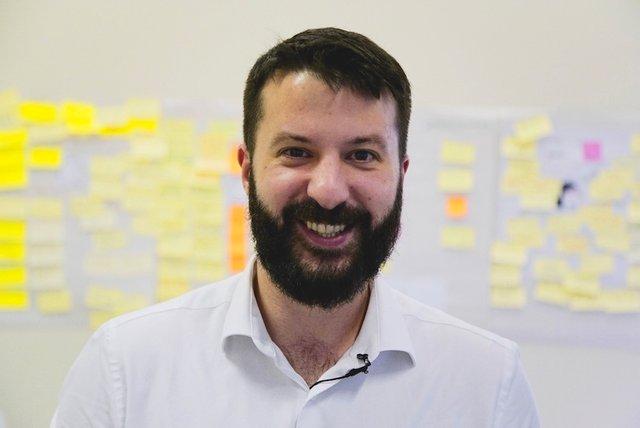 Rencontrez Eliott, CEO - TVTY