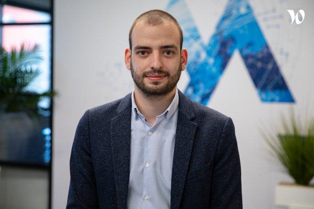 Rencontrez Eliott, Ingénieur d'affaires - Aymax