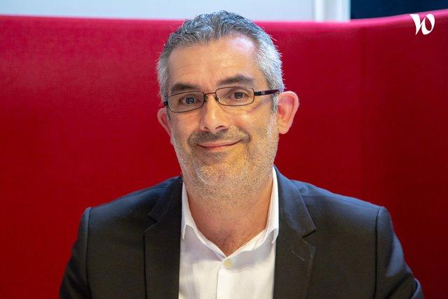 Rencontrez Stéphane, Ingénieur Commercial Fournitures et agencement de bureau - AXANTIS