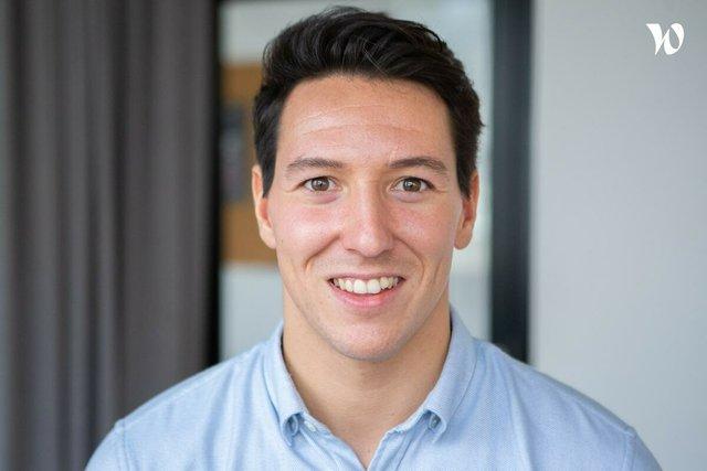 Rencontrez Pierre, B2B Manager & Associé - Clac des Doigts