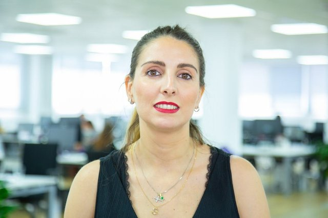 Conoce a Elena, Head of Operations & Customer Care Service - Housell