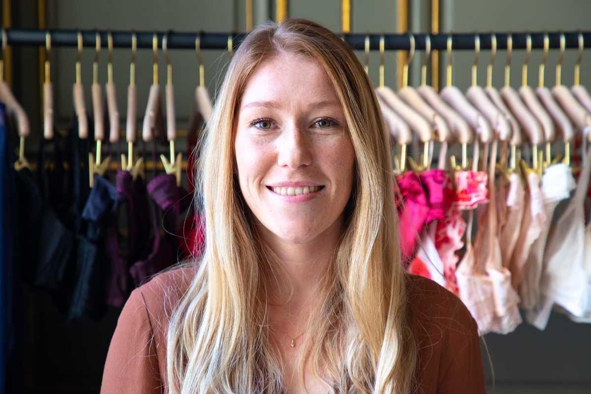 Rencontrez Laura, Responsable production et collection - Ysé