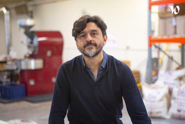 Rencontrez Andrés , Business development, co-founder & ceo - The Beans On Fire