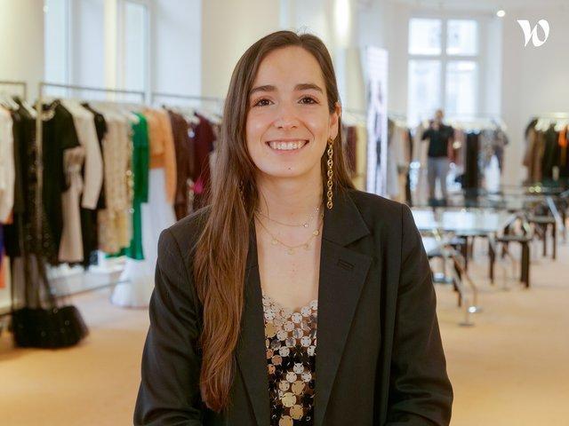 Rencontrez Claudia, Coordinatrice Wholesale - Paco Rabanne