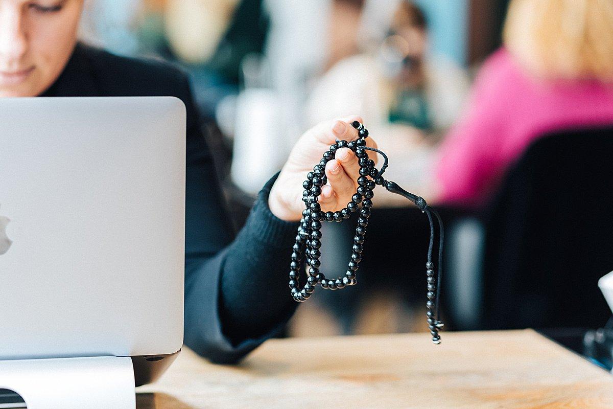 Religion au travail : quelle place pour les croyances ? Enquête