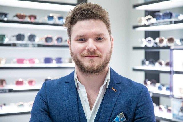 Rencontrez Benjamin, Store Manager - SUNGLASS HUT FRANCE