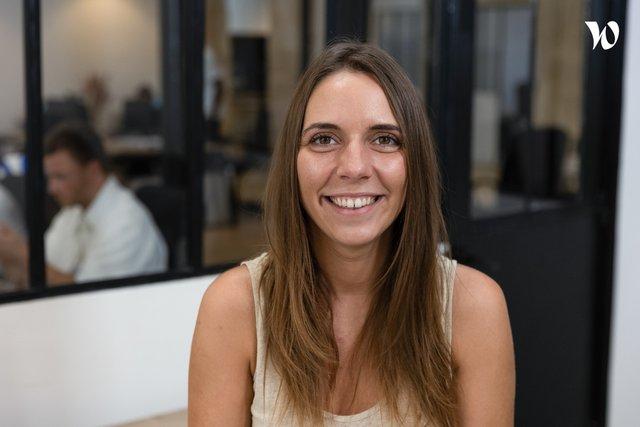 Rencontrez Elodie, directrice d'agence - Hemblem