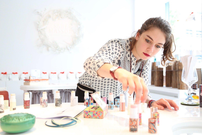 Découvrir les métiers de nez et évaluateur avec Sabé Masson