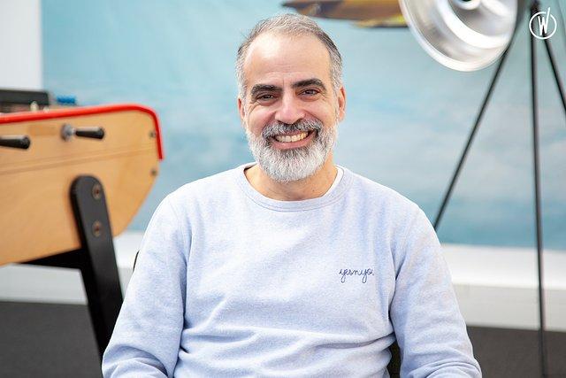 Rencontrez Stylianos, Fondateur - YES'N'YOU