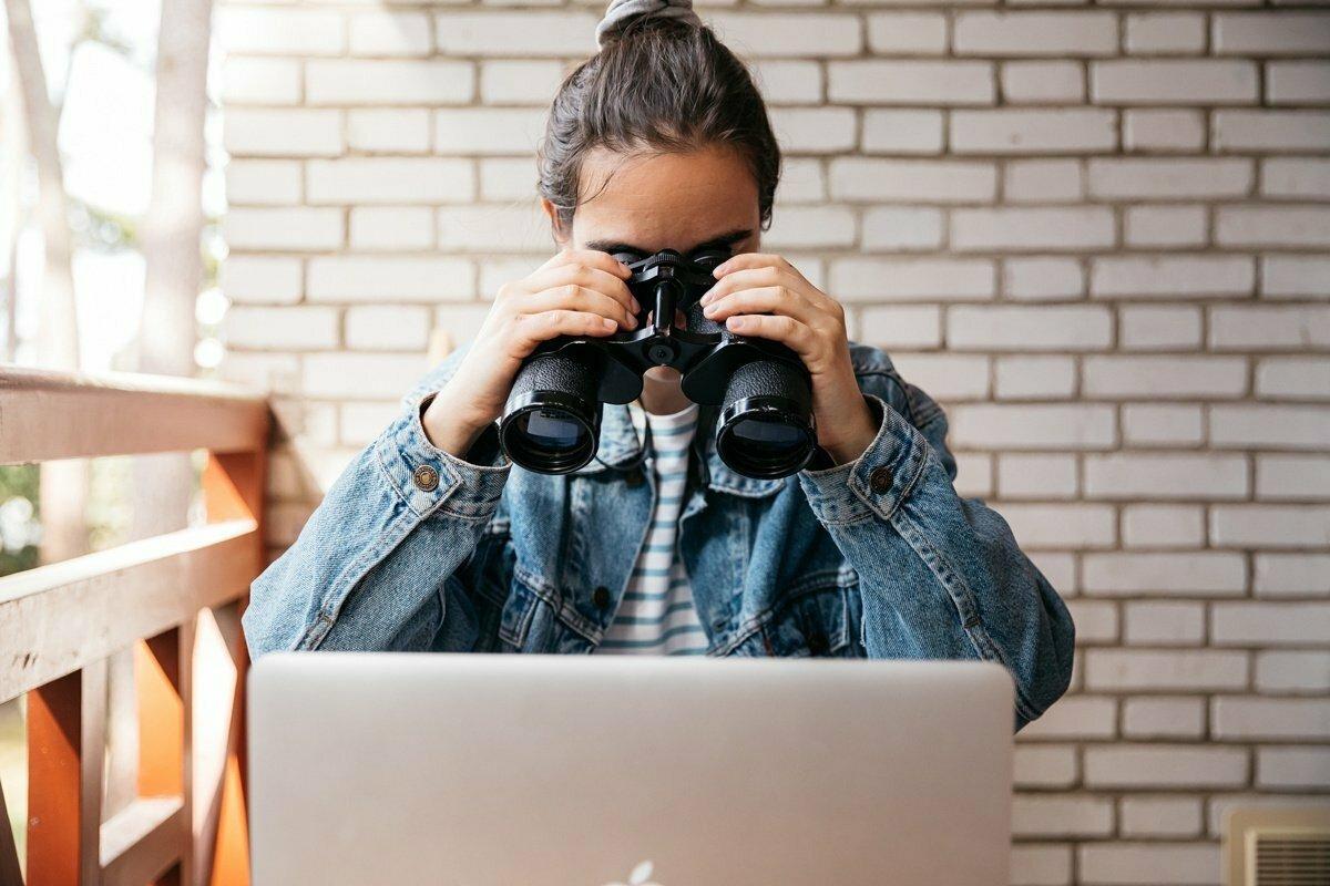 Monitoring zaměstnanců: zvýšená efektivita vs. narušení soukromí