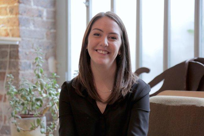 Rencontrez Julia,  Social Media Manager  - Lumini