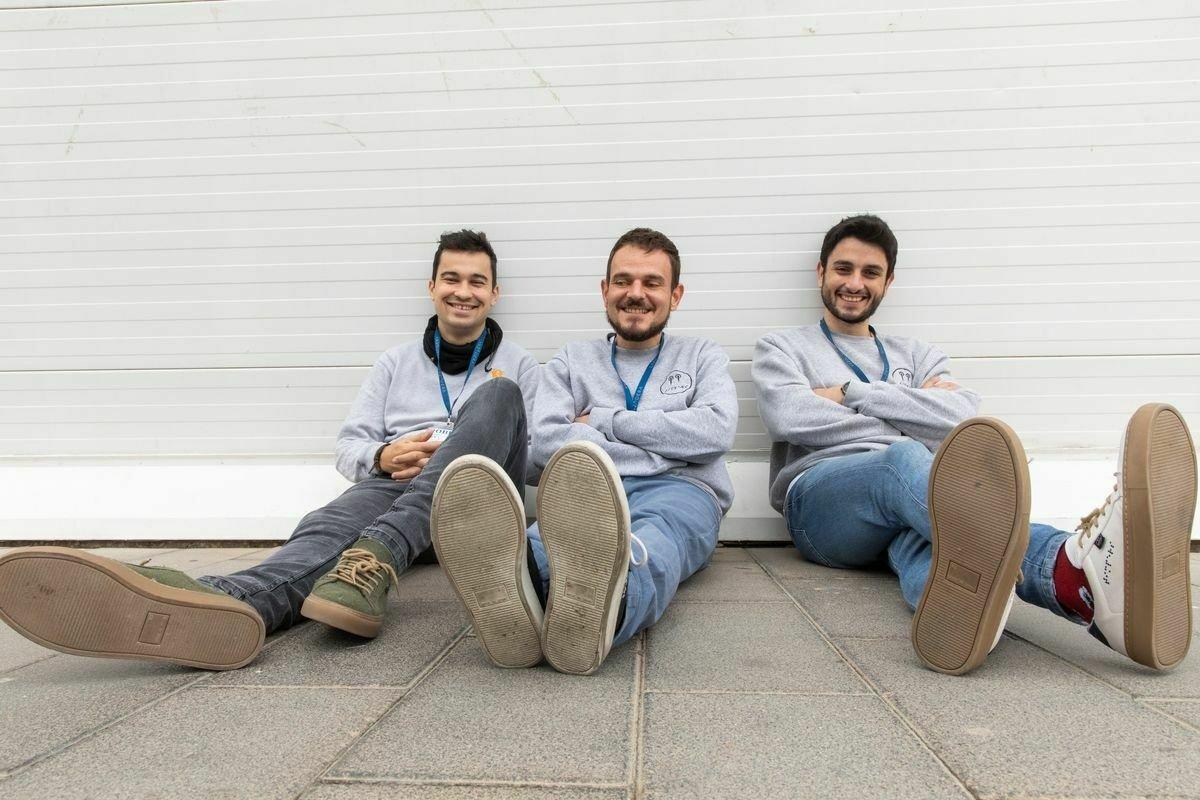 Aitor, Roberto y Diego: la historia de las zapatillas para ciegos