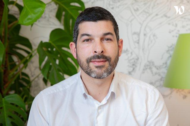 Rencontrez Gregory, Président, directeur général - Adaptersamaison.com