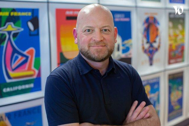 Rencontrez Grégoire, Directeur Général et co-Fondateur - THE FULL ROOM