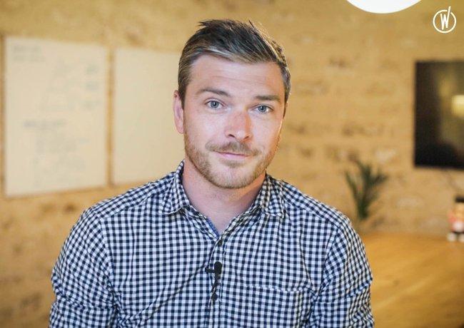 Rencontrez Romain, Directeur de clientèle - R2 agence digitale