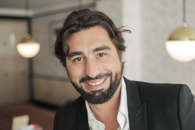 Rencontrez Alexandre, DG - Karismatik