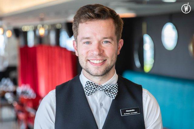 Rencontrez Alexandre, Chef Réception du Terrass''Hôtel - Biografy