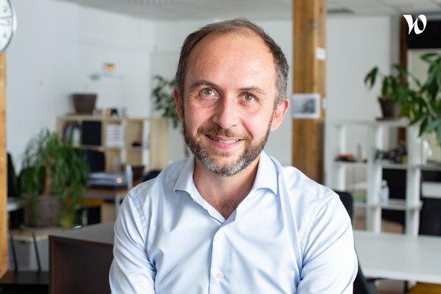Rencontrez Thomas, Co-fondateur & formateur - Seven