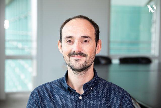 Rencontrez Xavier, Directeur Marketing - advizeo