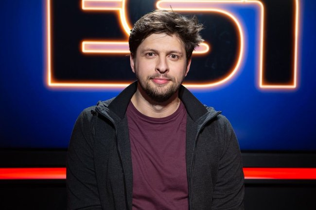 Rencontrez Maxime, Rédacteur en Chef ES1, la chaîne esport - Webedia
