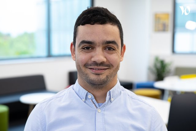 Rencontrez Aziz, Ingénieur Intégration des systèmes C-ITS - Viveris