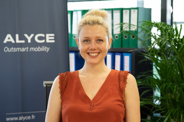 Rencontrez Julie, Responsable Marketing & Communication - ALYCE