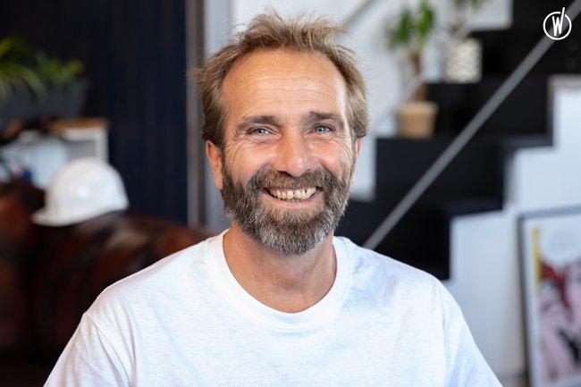 Rencontrez Eddie, Chargé d'affaires Place Rénovation - PLACESHAKER