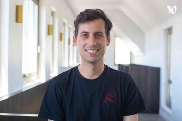 Rencontrez Clément, Producteur artistique - agence black lemon