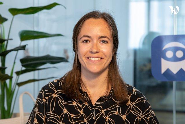 Rencontrez Hélène, Business manager - Bluecoders