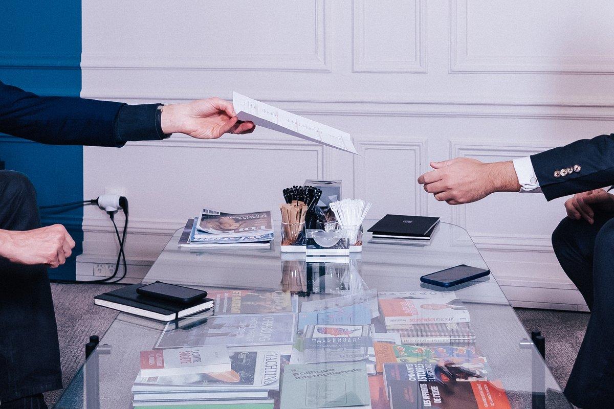 Premier job : bras droit du patron. Témoignages.