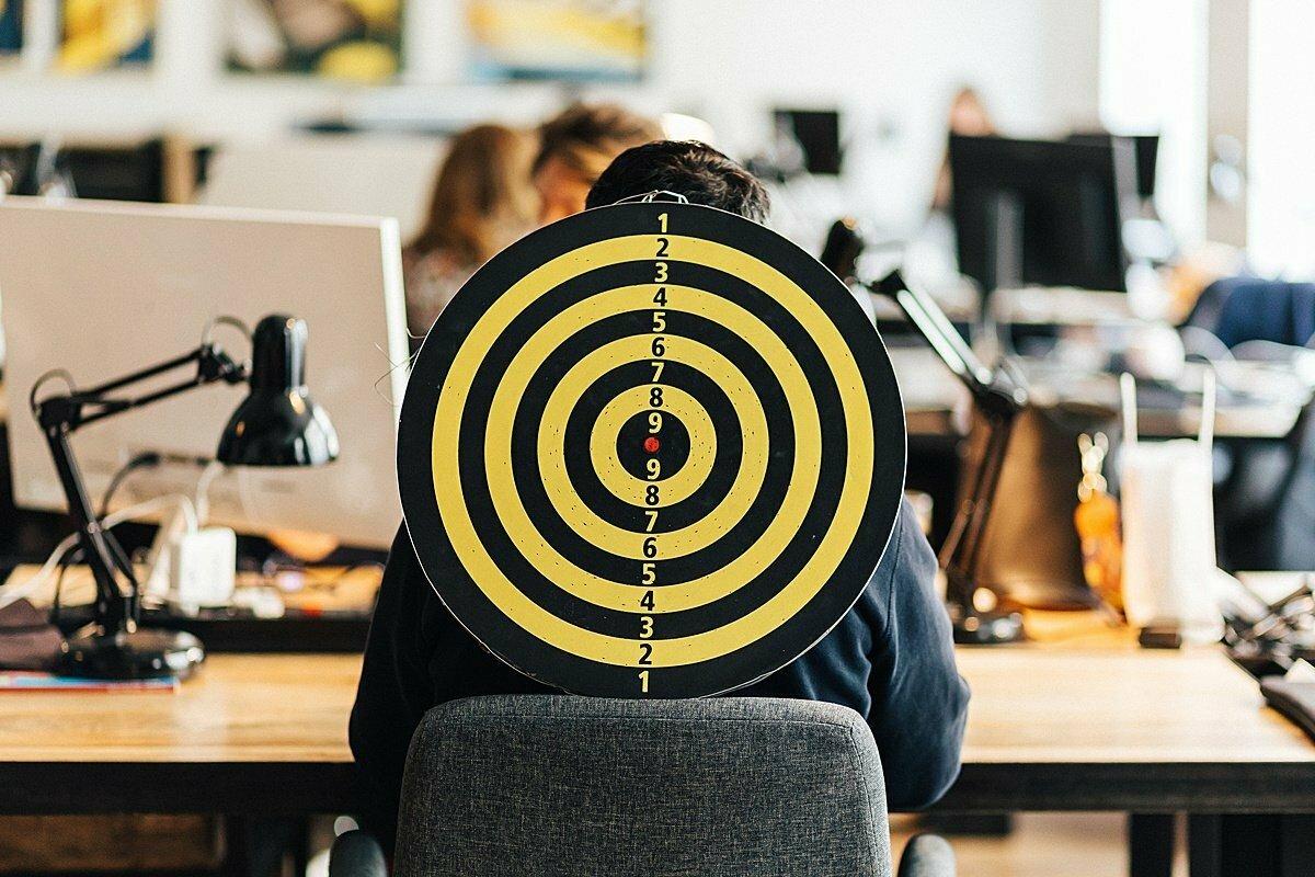 Mobbing na pracovišti: Jak se bránit kolektivní šikaně