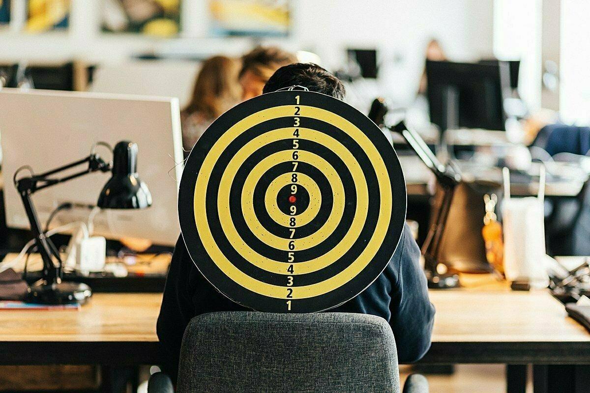 Kolektívne šikanovanie na pracovisku: Čo je mobbing?