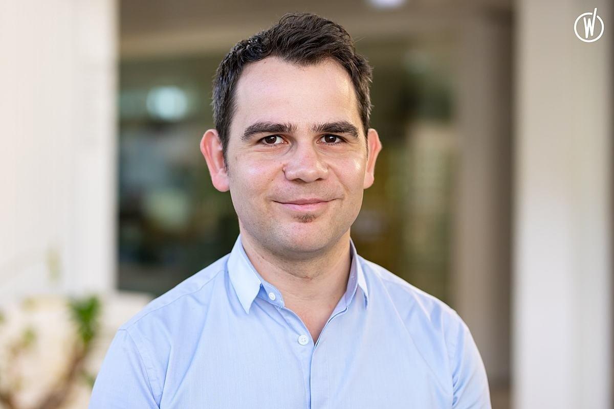 Rencontrez Emil, CEO - Scaleflex