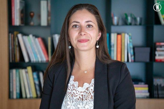 Rencontrez Julie, Community Manager - IWG (Spaces, Regus, Stop&Work, HQ, Signature)
