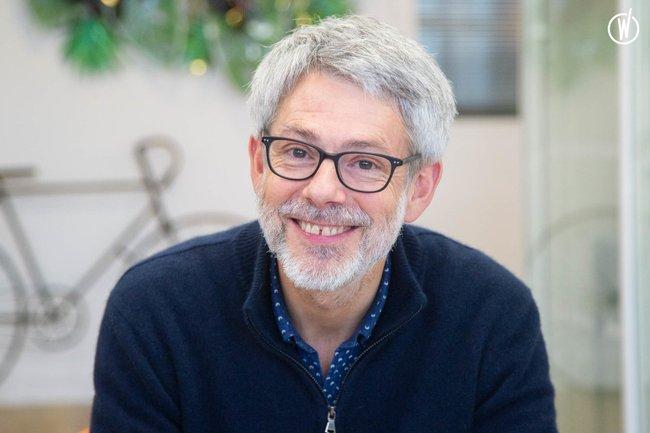 Rencontrez Pierre, Directeur Général - Hellopro
