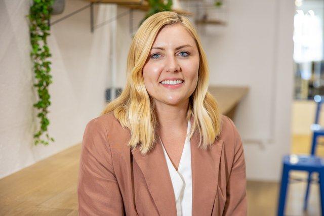 Rencontrez Mathilde, Chef de marché - Groupe MisterMenuiserie