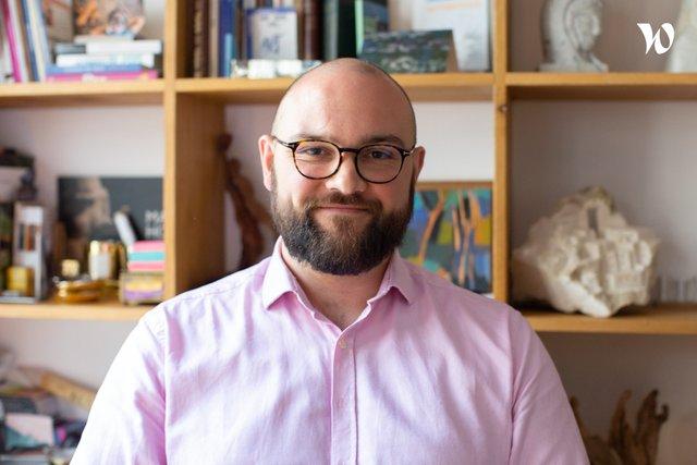 Rencontrez Arnaud, chargé de recherche en recrutement - Ithaque Medical