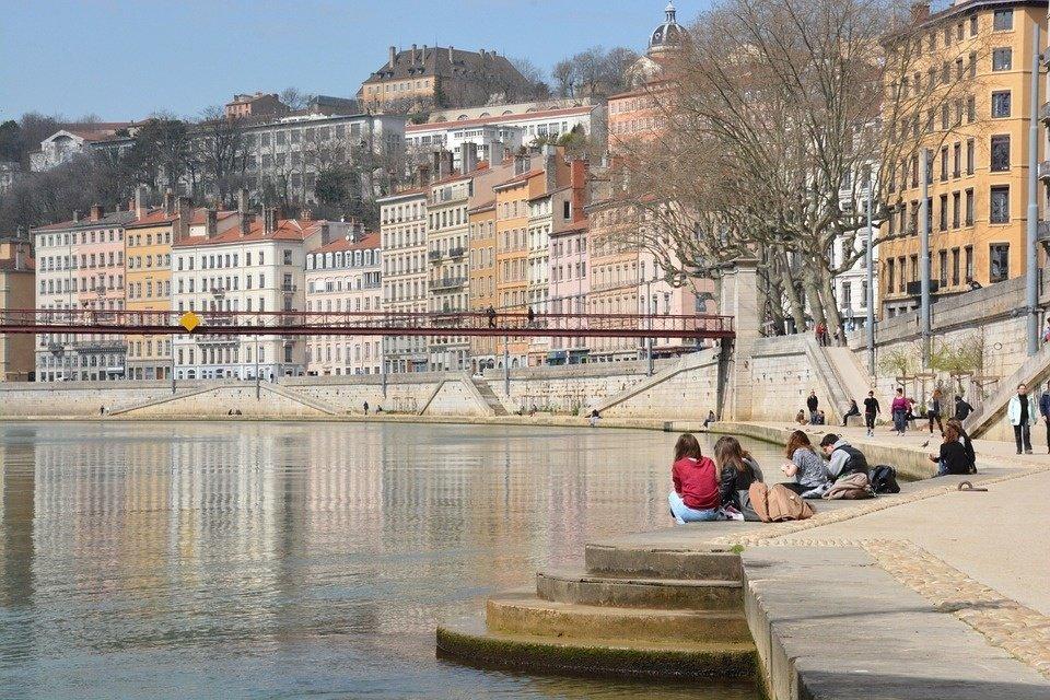 Travailler à Lyon : conseils, avantages et démarches