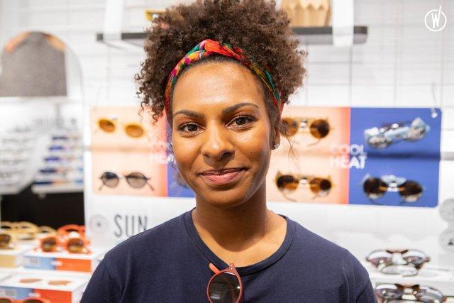 Rencontrez Kelly, Responsable boutique - IZIPIZI