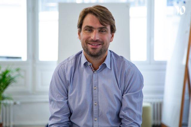 Rencontrez Alban, Senior Manager - bluenove
