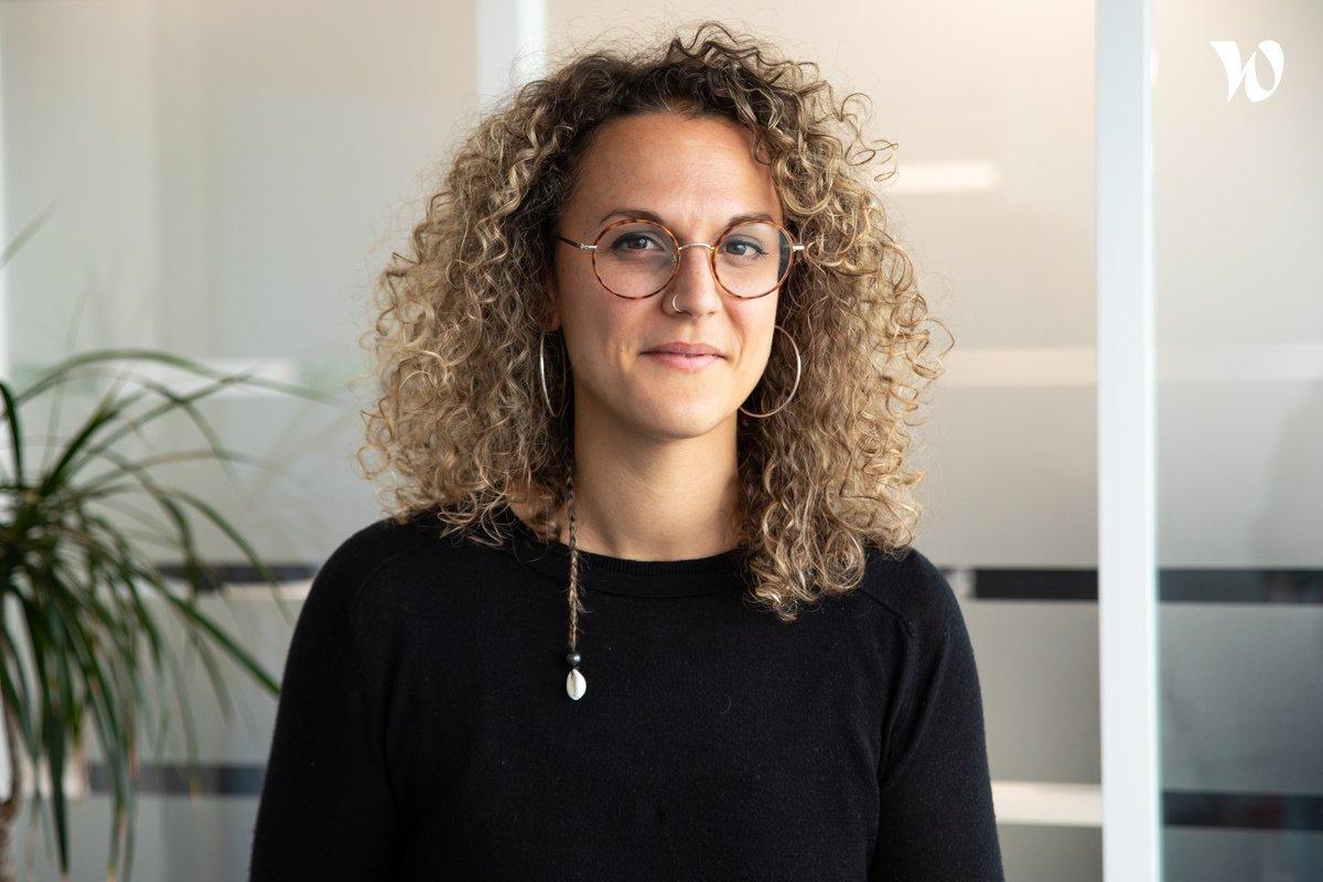 Rencontrez Anne-Claire, Visio interprète en Langue des Signes Française - Rogervoice